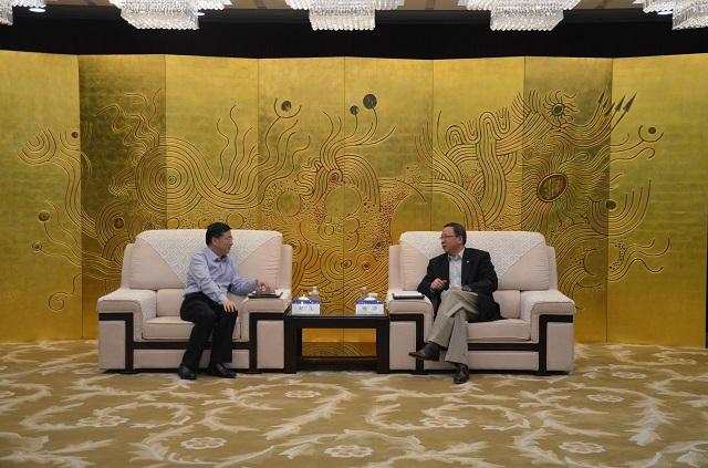 中hua集团总经理杨华会见重qing市涪陵区weishujizhoushao政